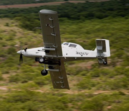 TESTING AN AD LODGEMENT FORT A REALLY COOL PLANE